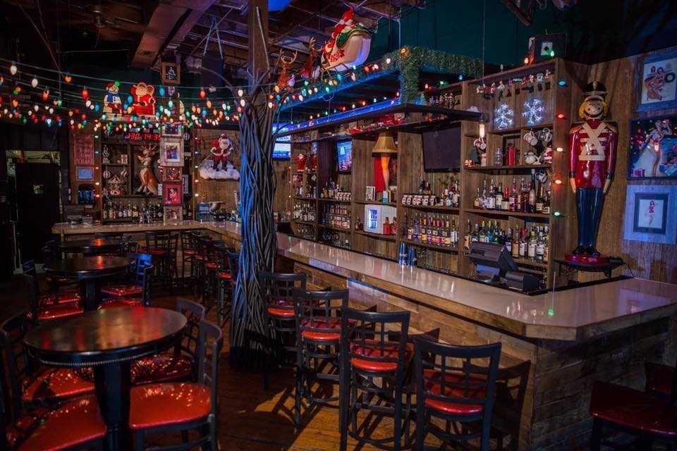 Christmas-themed bar Frosty's Christmastime Lounge celebrates the ...