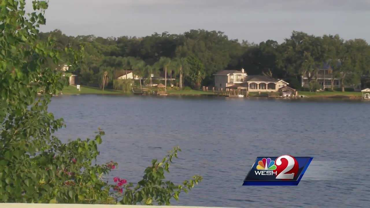 Crews find body of missing paddleboarder in Lake Conway