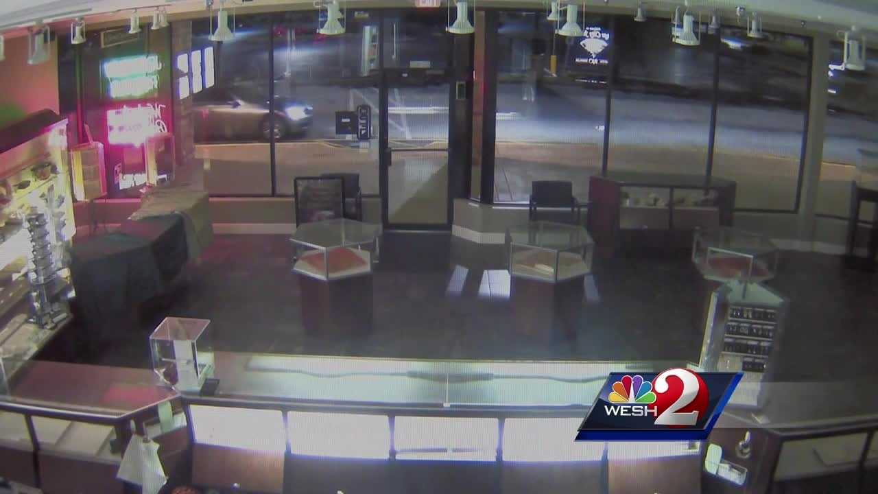Video shows thieves breaking into a jewelry store in Orange City. Claire Metz has the story.