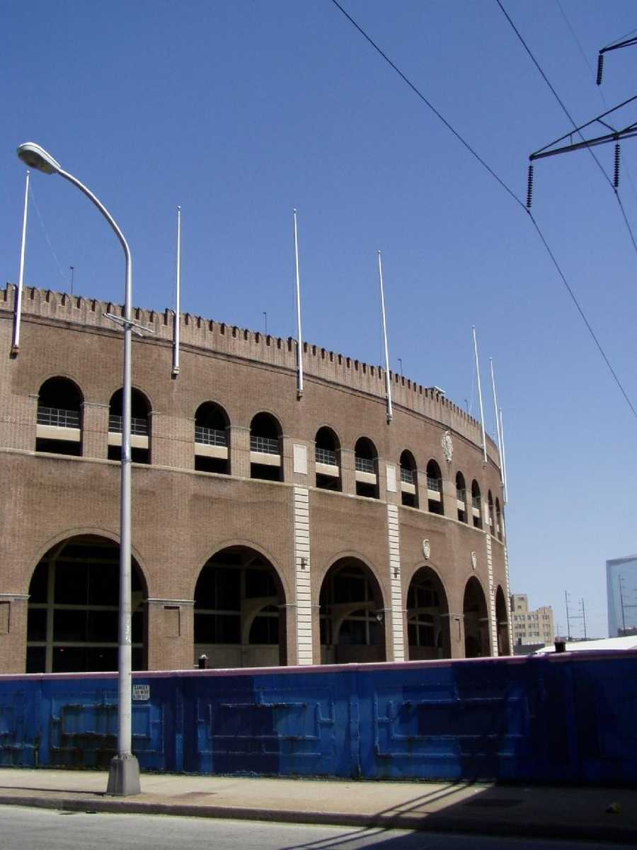 Locations include Franklin Field…