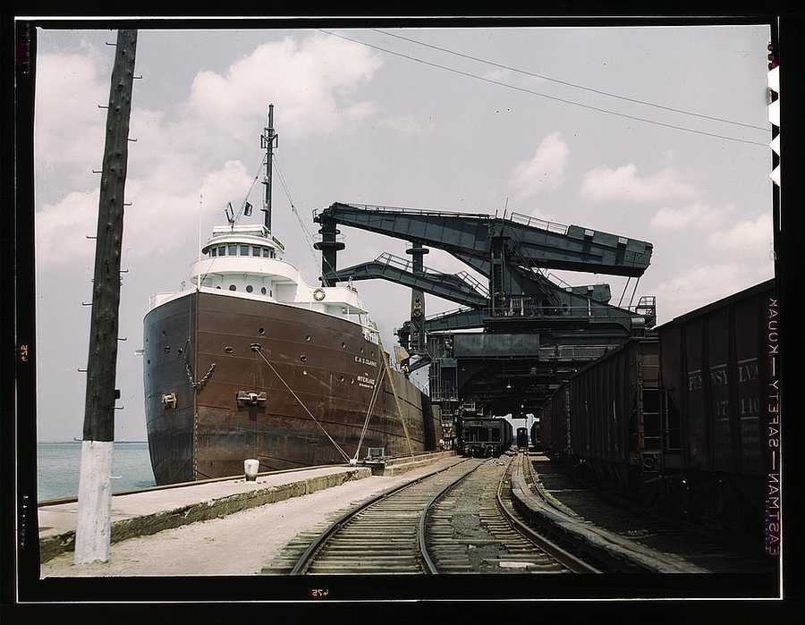 "Pennsylvania R.R. ore docks, unloading ore from a lake freighter by means of ""Hulett"" unloaders in Cleveland, Ohio. Jack Delano took this photo in May 1943."