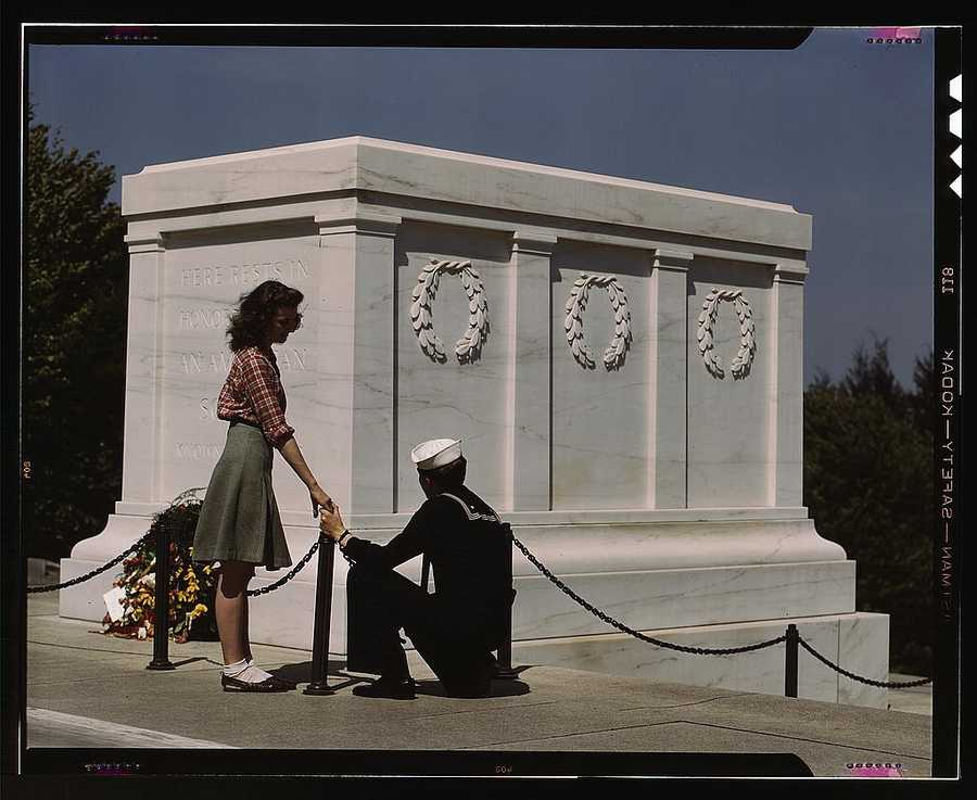 Sailor and girl at the Tomb of the Unknown Soldier in Washington, D.C. John Collier took this photo in May 1943.