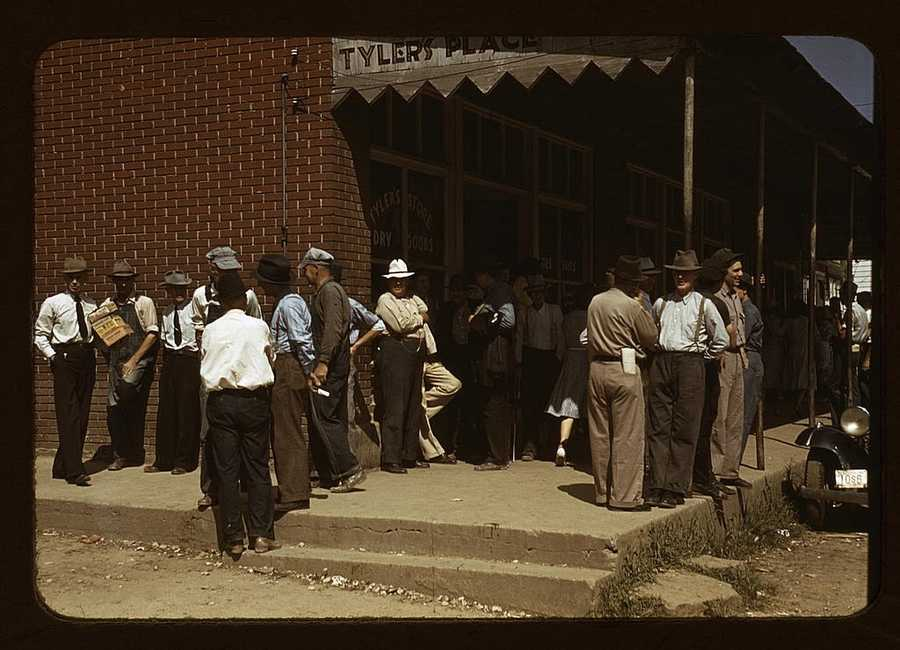 Farmers and townspeople in the center of town on Court Day in Compton, Ky. Marion Post Wolcott took this photo in September 1940.