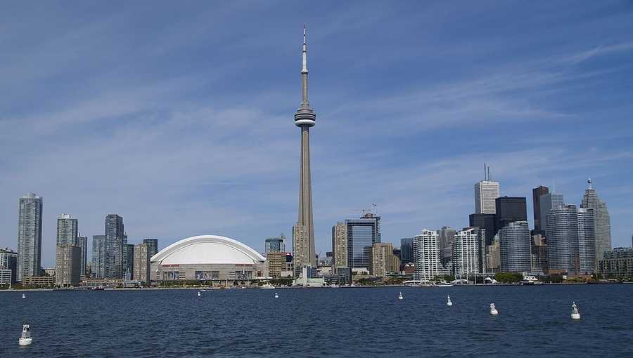 17. Toronto, Ontario: The largest city in Canada is a relatively modern city, but is the 10th most economically powerful city in the world. Toronto is a major scene for theater and other performing arts, with more than fifty ballet and dance companies, six opera companies, two symphony orchestras and a host of theaters.