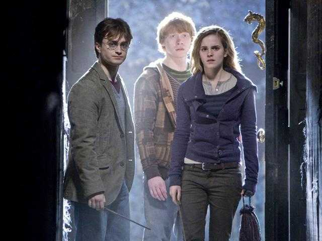 10. Harry Potter and the Deathly Hallows: Part I: weekend of Nov 19, 2010 -- grossed $125,017,372