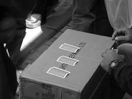 Washington: Playing three card monte is considered theft in Everett, Washington.