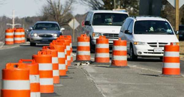 Speeding was involved in one-third of the fatal crashes that occurred inconstruction/maintenance zones in 2010.