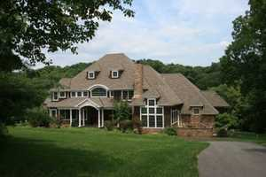 Take a look inside this 6 bedroom, 9 bath home located Lancaster, PA featured on realtor.com