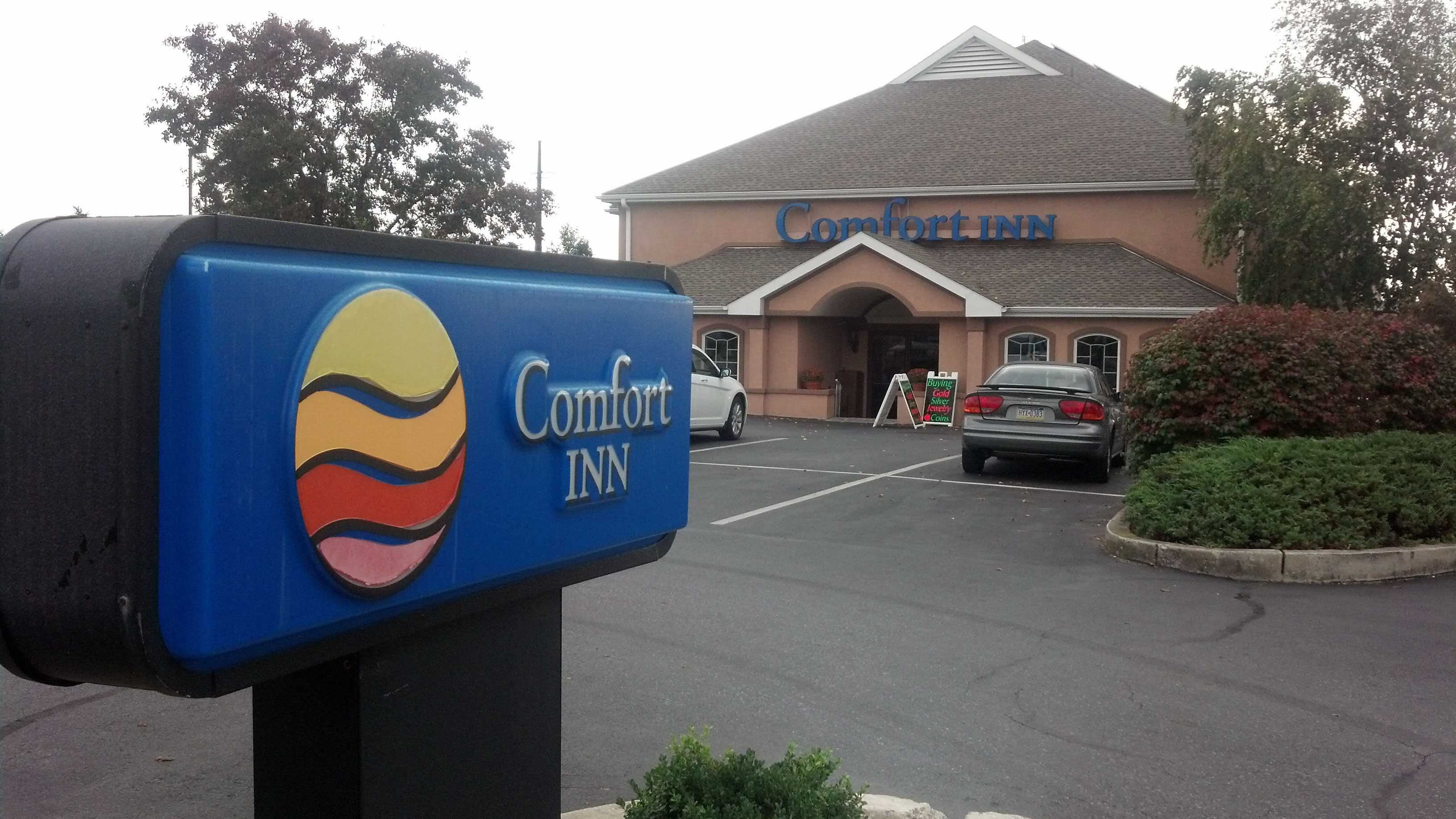 Guests at this Comfort Inn were targeted by a phone scam.