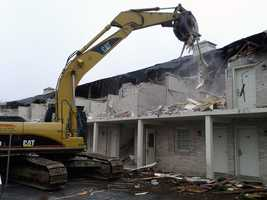 Demolition of the former Willow Valley Inn and Suites in Lancaster County has started.