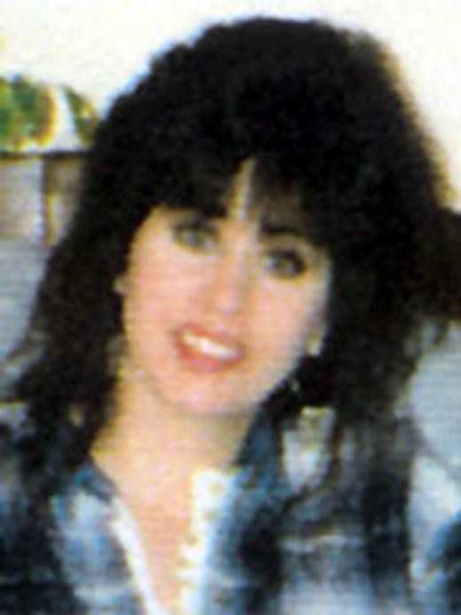 "Lisa Maria Szasz was last seen in the Andover, Ohio area on March 23, 2000. On March 24, 2000, her vehicle, a white Chevy Blazer, was found abandoned in a ""no parking"" zone at the Youngstown-Warren Airport, Vienna Township, Ohio. Szasz was reported missing by her parents to the Ashtabula County Sheriff's Department on March 27, 2000."