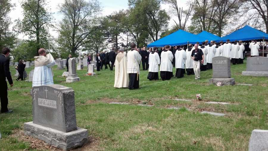 McFadden is being buried at Holy Cross Cemetery in the Bishop's Circle area.