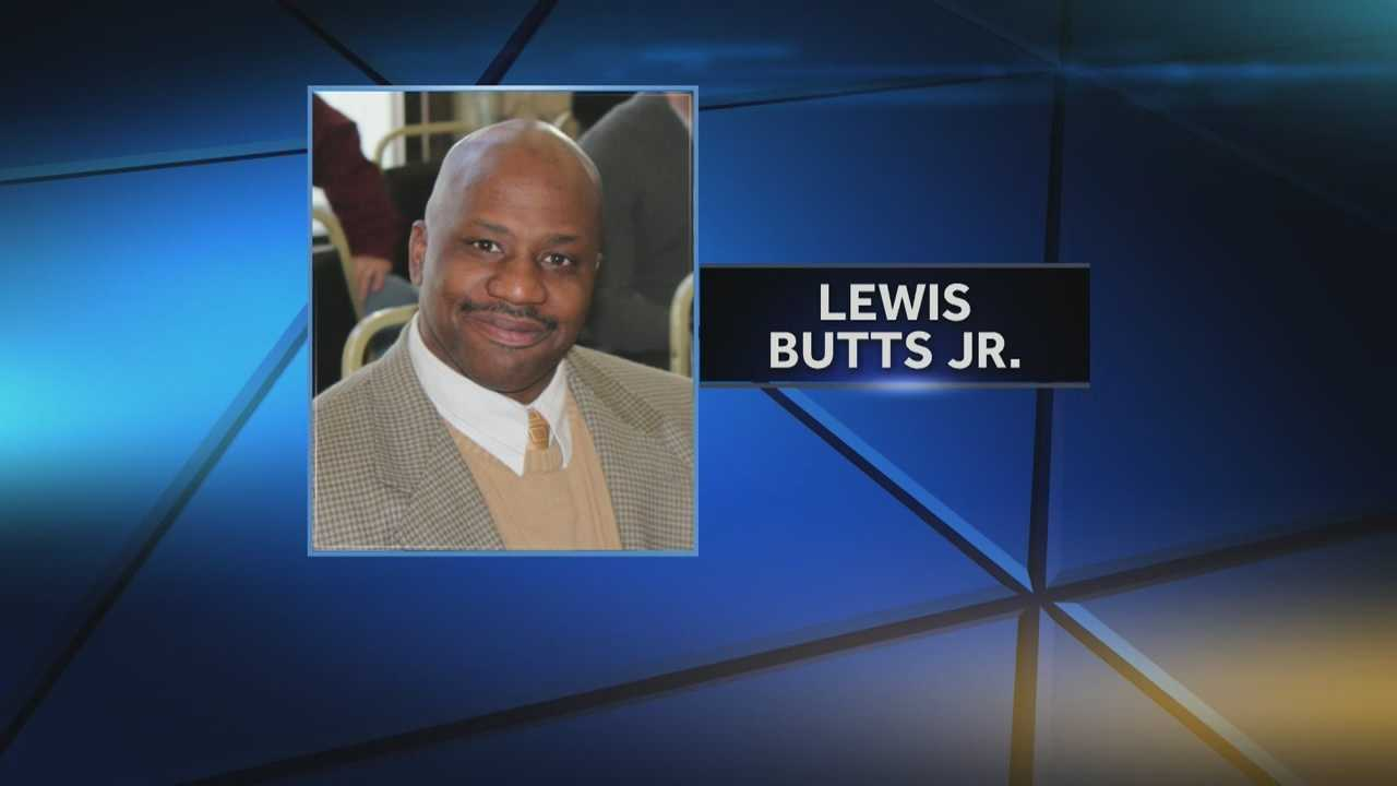 Mayoral candidate accused of defacing opponent's signs