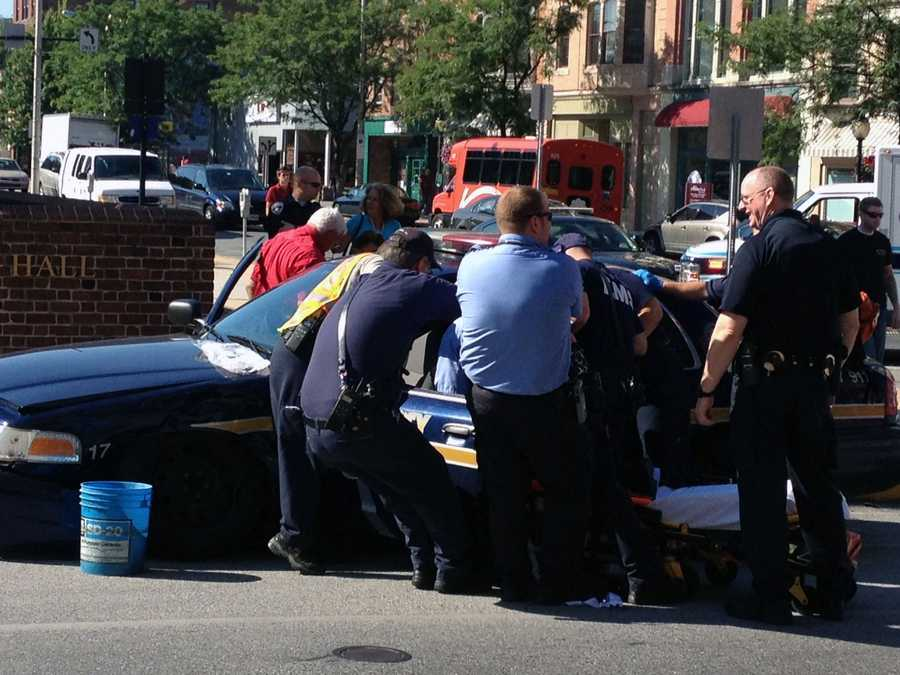 The officer suffered minor injuries.
