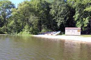 Hopewell Lake offers a second boat rental location.