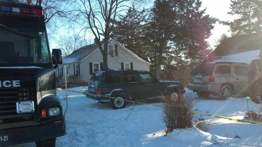 It appears Snyder shot Mellinger in the chest around 11 p.m. Tuesday and then shot himself in the head around 1 a.m. Wednesday, according to the coroner.