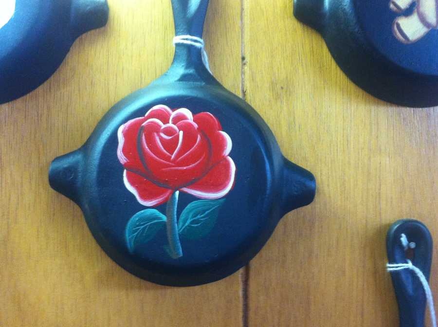 Cast iron cookware with painted-on pictures are a tourist favorite.