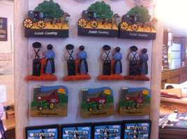 Even magnets depict scenes of Amish life.