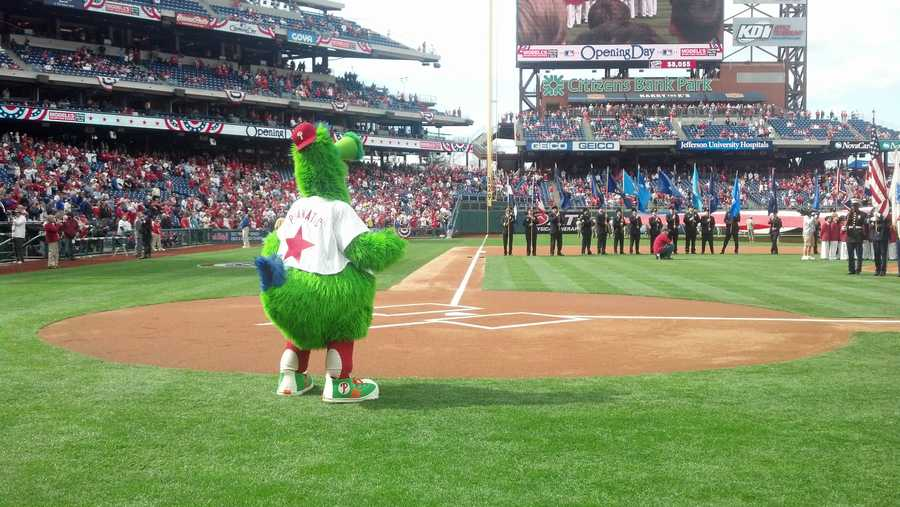 After rain, the Phils are ready for the home opener.
