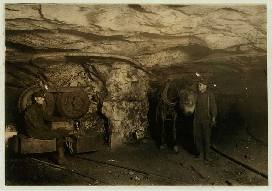 21: In the second half of the 19th century, Pennsylvania became an industrial powerhouse. Coal, timber, iron ore and oil enabled the area to become an industrial powerhouse.