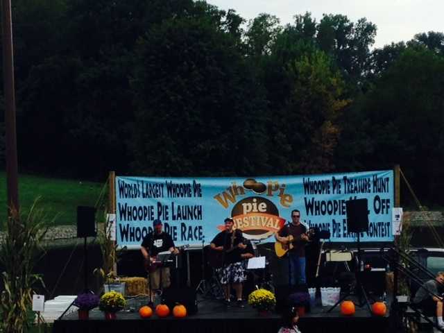 A band played as the crowd enjoyed their whoopie pies.