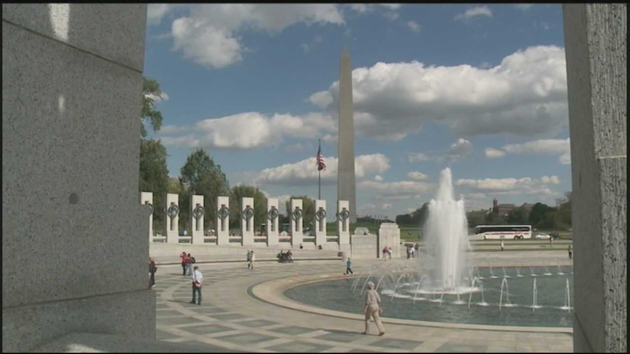 World War II veterans visit the memorial in Washington D.C.
