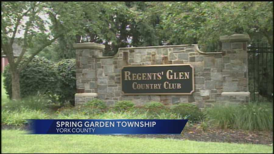 Country club workers say they haven\'t been paid in weeks