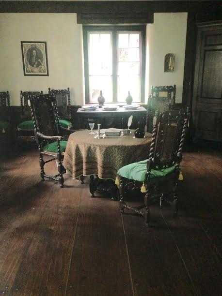Common Parlor: The Common Parlor served as a family dining room.