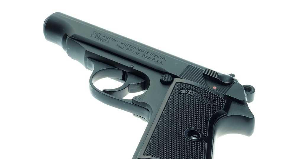 pistol-946398_960_720.jpg