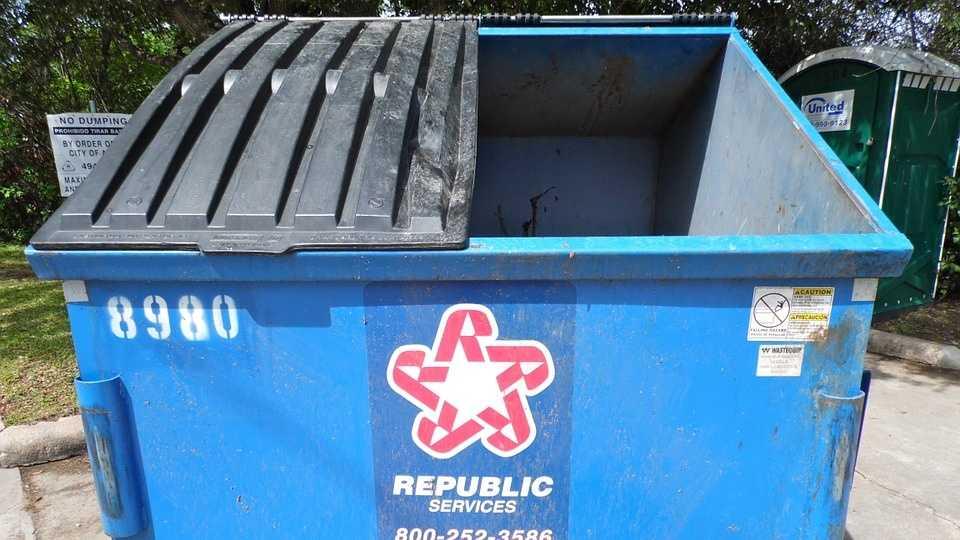 dumpster-100909_960_720.jpg