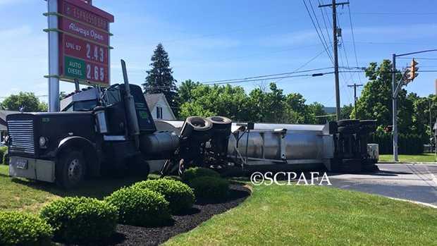 6.10.16 tractor trailer 02.jpg