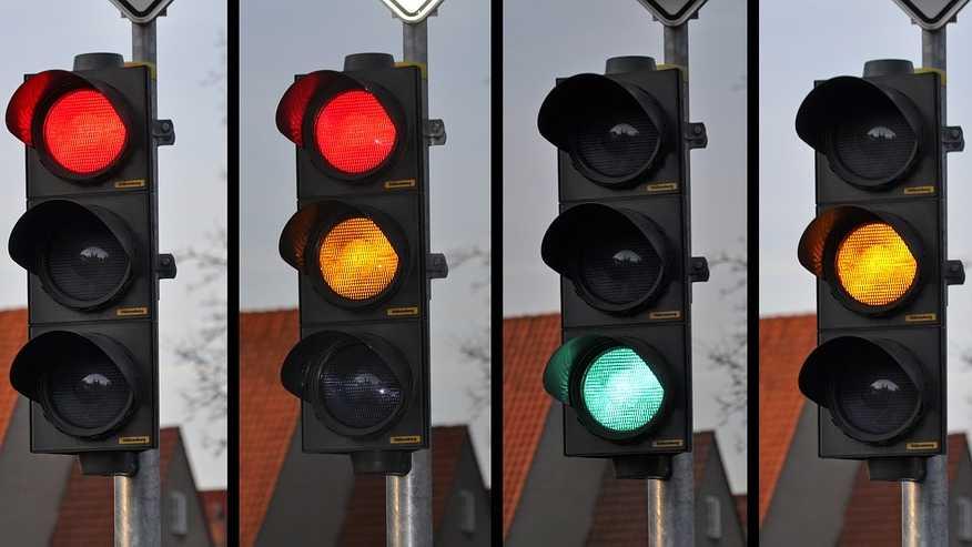 traffic-light-876047_960_720.jpg