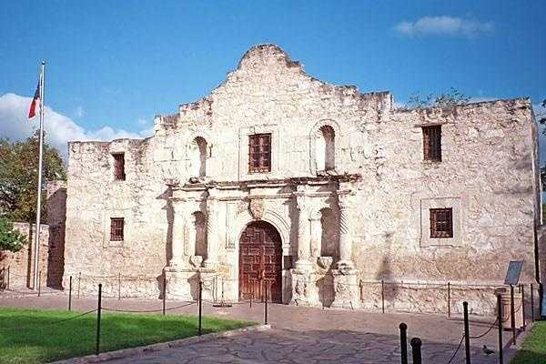 The Alamo in San Antonio, Texas, is reportedly haunted by the spirits of those who died there during the Battle of the Alamo.