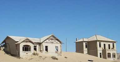 Located in southern Namibia, Kolmanskop was the site of diamond fever in 1908, when people rushed to the desert to make an easy fortune.