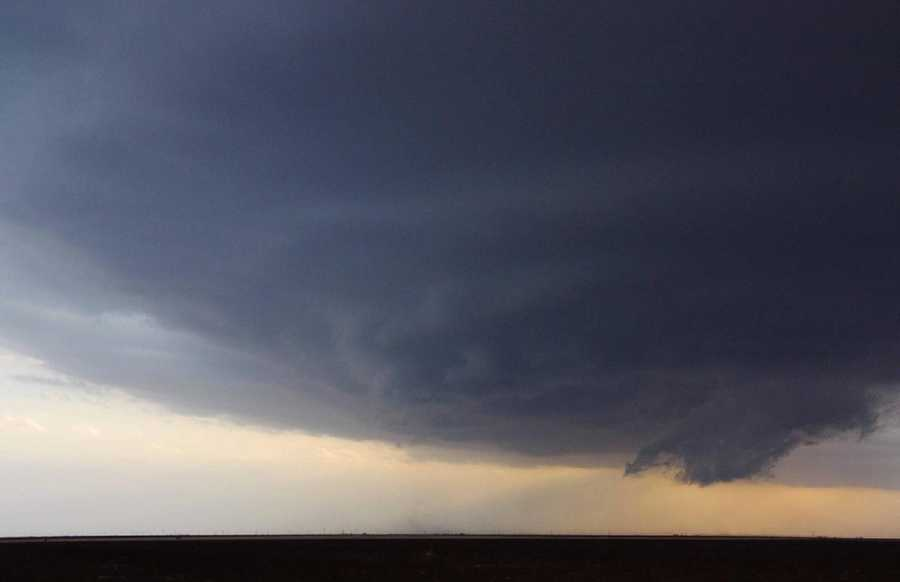 Rotating wall clouds usually develop before strong or violent tornadoes, but not all wall clouds rotate.