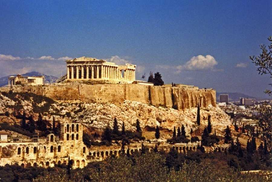 """Captivated by landmarks of the various lands, Hellenistic travelers of the 4th century BC listed what they saw and instead of calling them """"wonders"""", the ancient Greeks spoke of """"theamata"""", which means """"sights."""""""