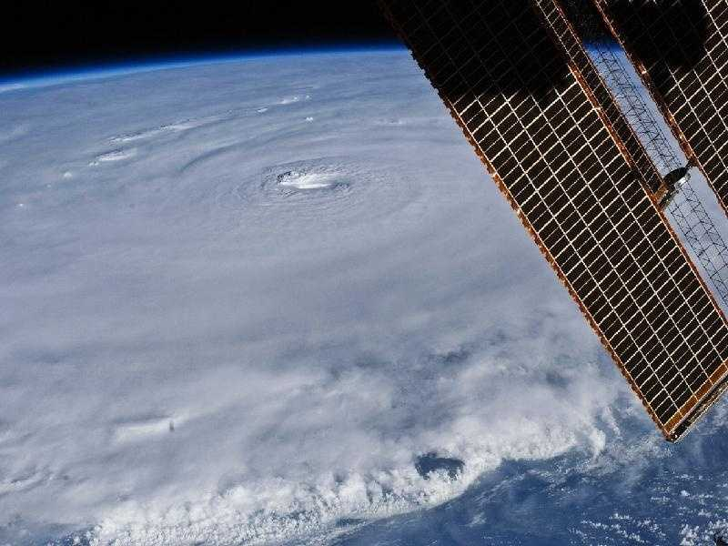 The relatively placid view from the International Space Station belied the potent forces at work in Hurricane Earl as it hovered northeast of Puerto Rico on Aug. 30, 2010. With maximum sustained winds of 135 miles (215 kilometers) per hour, the storm was classified as a category 4 on the Saffir-Simpson hurricane scale as it passed north of the Virgin Islands.