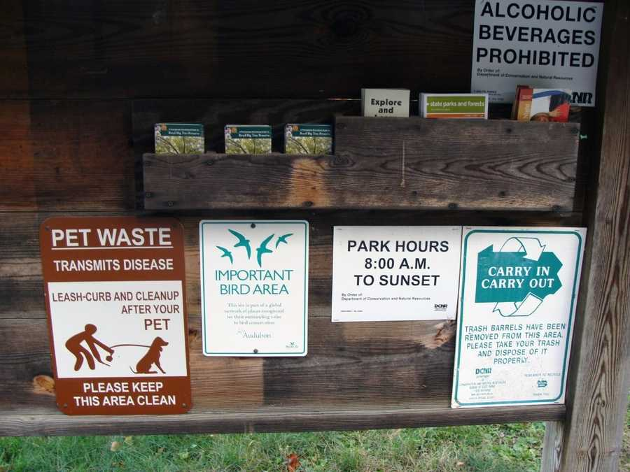 Maps of the conservation area are available at a kiosk in the parking area.