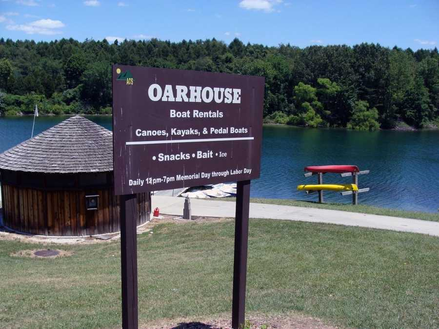 The Oar House boat rental in the Swimming Pool Day Use Area offers canoes, kayaks and paddleboats from Memorial Day to Labor Day.