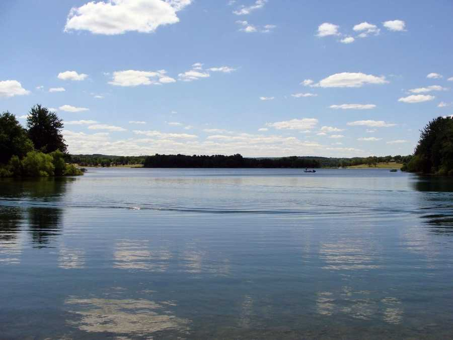 The lake has seven boat launch ramps. All are open to the public, but the campground launch is only for the use of registered campers.