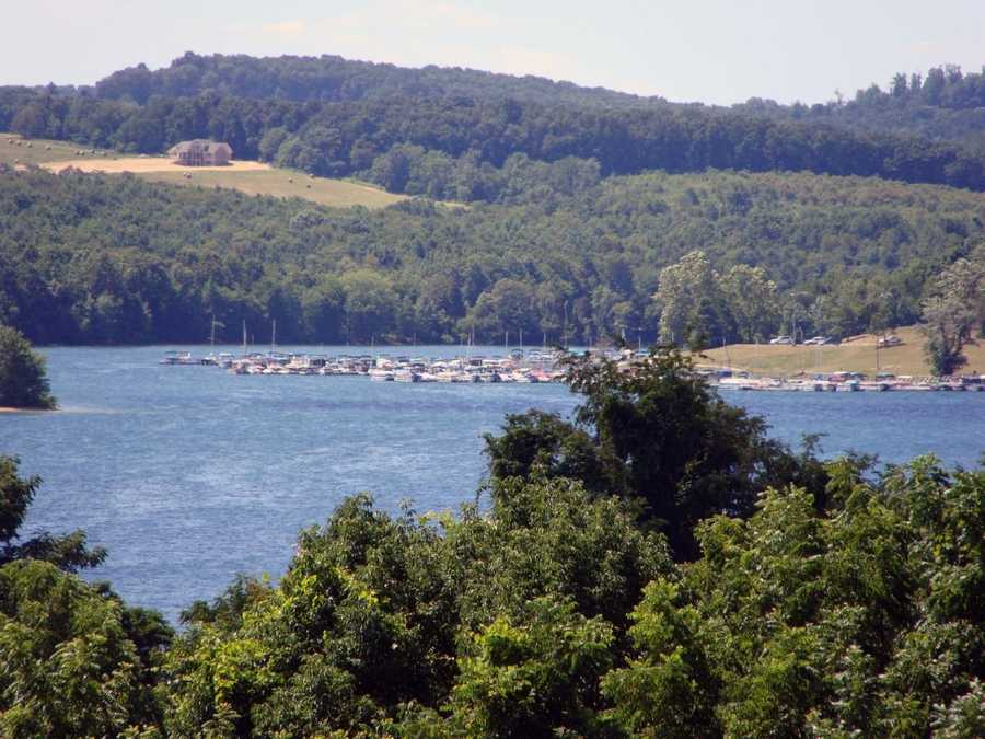 Hot showers, flush toilets, a boat launch, shoreline mooring and a sanitary dump station are available at the campground.