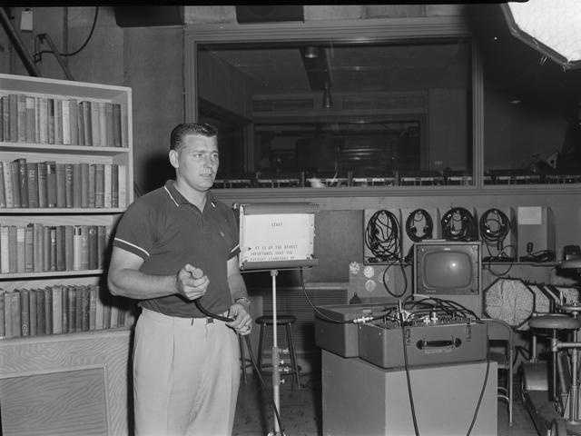 Here's what a teleprompter looked like in 1959.