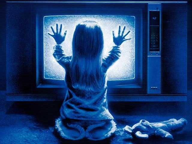 """""""Poltergeist"""" might be a rollercoaster of horror flick, but it manages to hit every nerve within your body."""