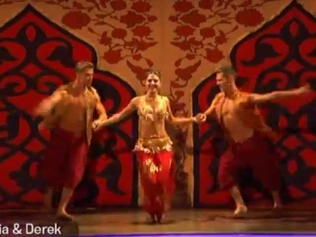 Maria Menounos, Derek Hough and Henry Byalikov danced a Samba.