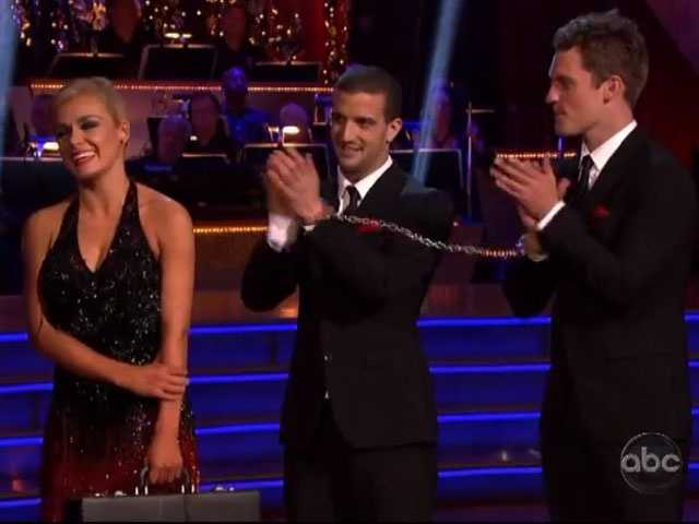 Bruno and Carrie Ann gave it a 10, while Len stuck with his 9.