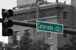 Colorado. Ballot Amendment 20 was passed in 2000 with 54 percent of the vote.  Residents are allowed 2 ounces of product and up to 3 mature and 3 immature plants.