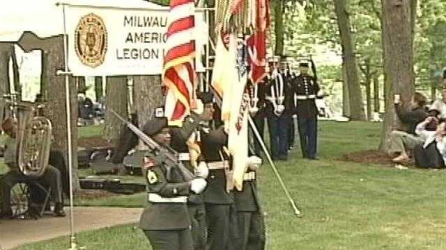 Milwaukee veterans gather along with families whose soldiers never made it home