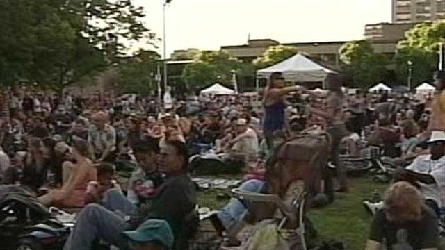 Large crowd attends first night of Jazz in the park