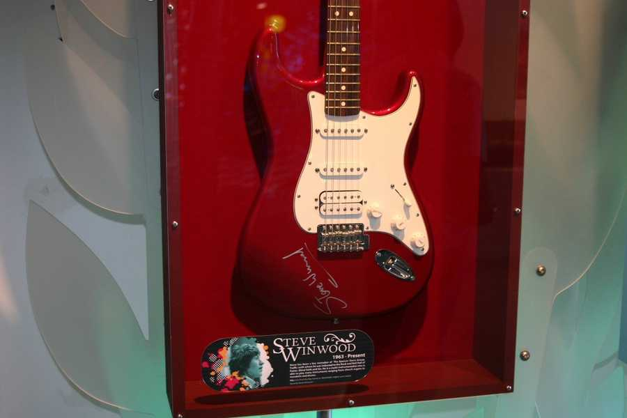 Steve Winwood signed guitar
