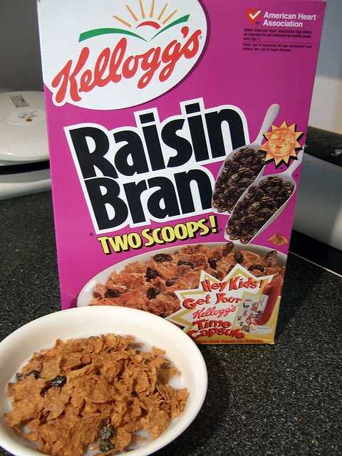 "And no, there are not literally ""two scoops of raisins"" in Kellogg's boxes. The raisins are measured by weight."